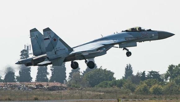 Un caza ruso Sukhoi Su-35 despega. (Foto: Archivo / Yasin AKGUL / AFP).