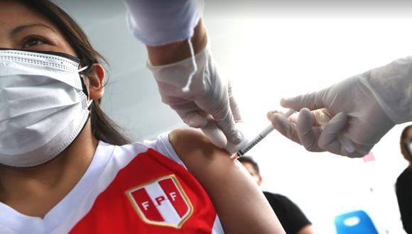 El 7 de febrero fue declarado como el Día Nacional de la Vacunación contra el COVID-19 | Foto: Alessandro Currarino / @photo.gec