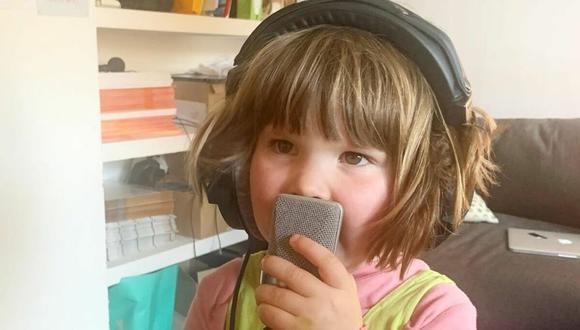 Fenn es la pequeña hija del músico británico Tom Rosenthal y recientemente ha causado sensación en las redes sociales con la creación de su primera canción. (Foto: Instagram)
