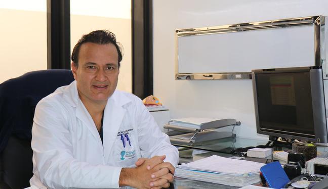 """Mentes Peruanas - EP. 43: Mauricio León: """"La pandemia ha afectado a los pacientes con cáncer y con sospecha de la enfermedad""""   PODCAST"""