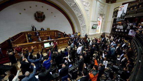 Congreso venezolano rechaza retiro de inmunidad a diputados