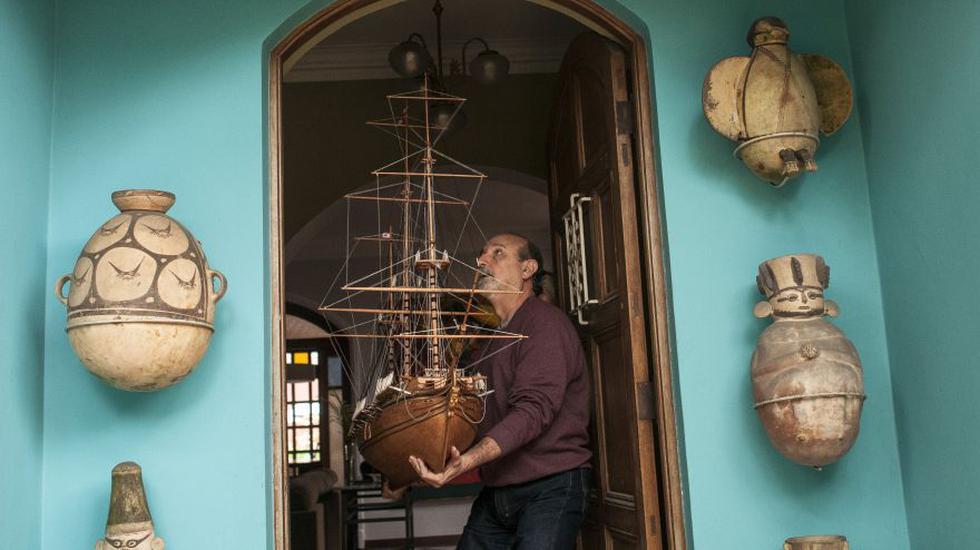 Una versión en miniatura de la fragata Presidente, la primera nave de bandera peruana, ha sido realizada con esmero analógico por el artista Chalo Guevara. La nave se suma a una creciente flotilla de emblemas náuticos del siglo XIX.
