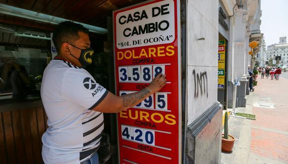 En el mercado paralelo o casas de cambio de Lima, el tipo de cambio se cotiza a S/3,590 la compra y S/3,615 la venta.. (Foto: Fernando Sangama / GEC)
