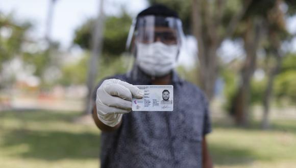 La ONPE precisó que bajarse la mascarilla es una medida excepcional. (Foto: Mario Zapata/GEC)