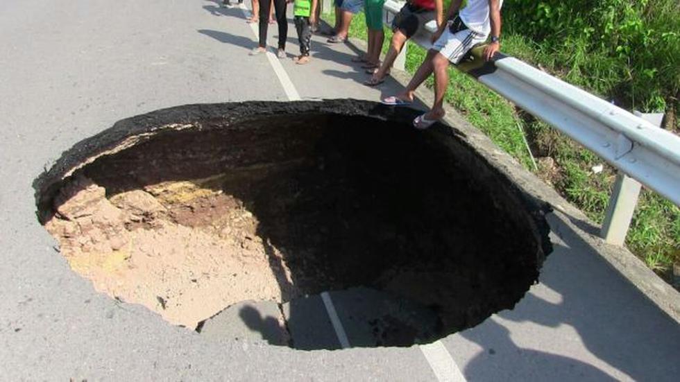 Ucayali: carretera de Aguaytía se hundió tras intensa lluvia - 1