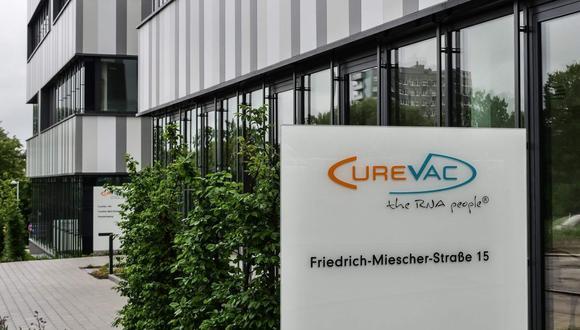 El laboratorio CureVac de Alemania se encuentra actualmente en la fase 2 de ensayos clínicos de su candidata a vacuna contra el SARS-CoV-2. (Foto: Sebastien SAUGUES / AFP)