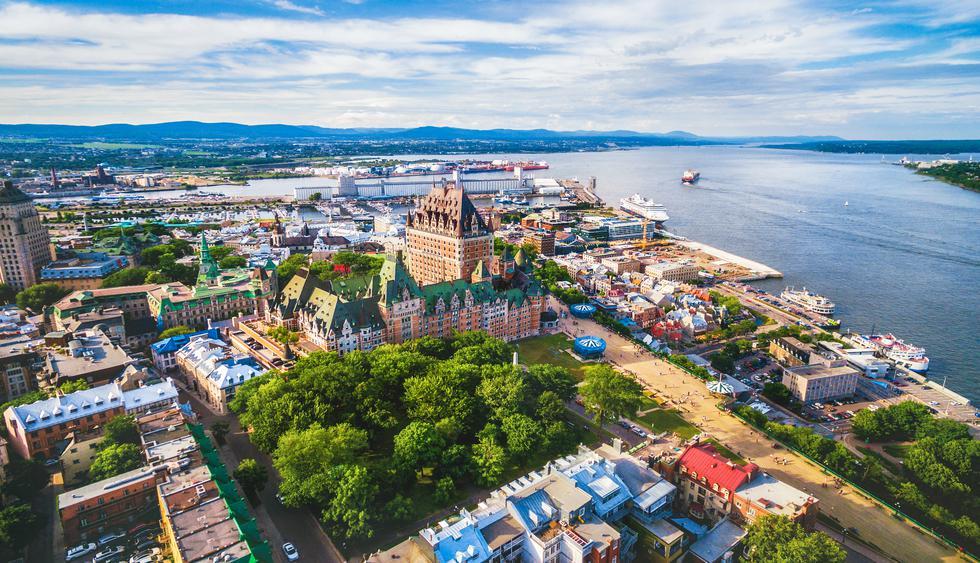 En esta panorámica del Viejo Quebec resalta el glamoroso hotel Cheateau Frontenac. Foto: Shutterstock