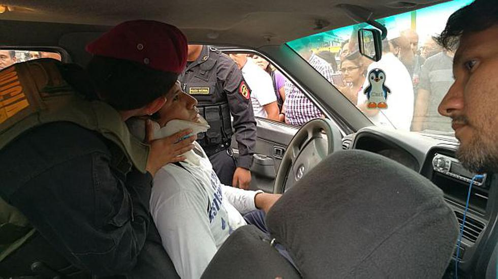 Metropolitano chocó con camioneta en Quilca y dejó un herido - 1