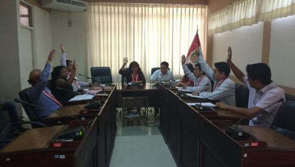 Piura: recomiendan a gobernador reevaluar permanencia de asesor