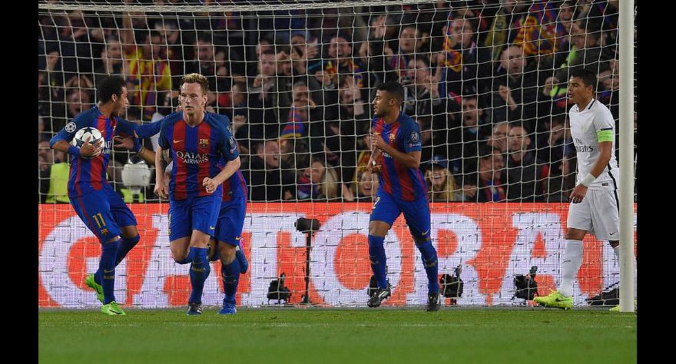 Las fotos del autogol que provocó Andrés Iniesta en Champions - 8