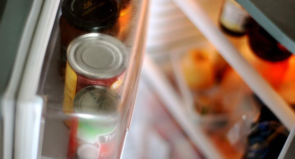 Distribuir los alimentos de forma correcta en la nevera es tan importante como mantenerla limpia y a la temperatura adecuada. (Azri|Flickr)