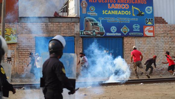 El ministro Eduardo González indico que los detenidos serían denunciados por obstaculizar el libre tránsito en medio de una pandemia. (Foto: El Comercio)