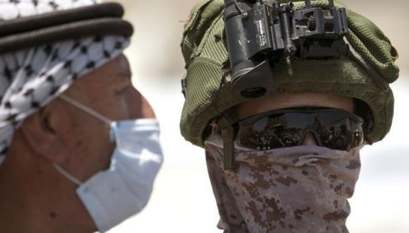 Los palestinos se han estado manifestando frente a tropas de Israel en contra de la anexión. (Getty Images).