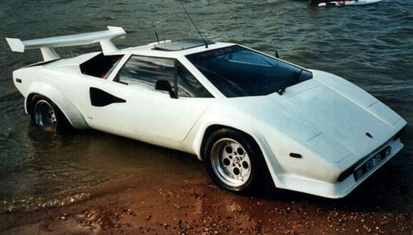 A la venta este Lamborghini Countach...¡anfibio!