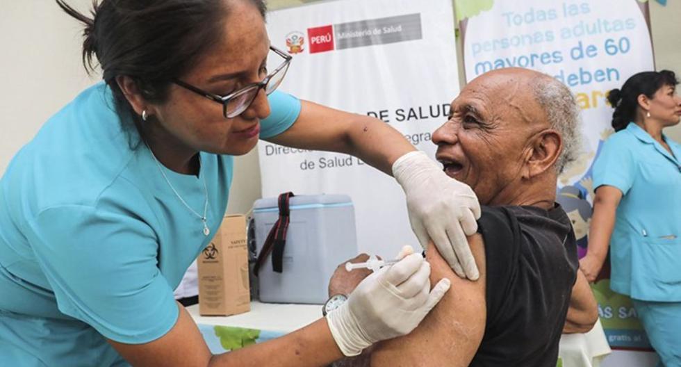 Los adultos mayores fueron incluidos en la primera etapa de vacunación contra el COVID-19 (Foto: Andina)
