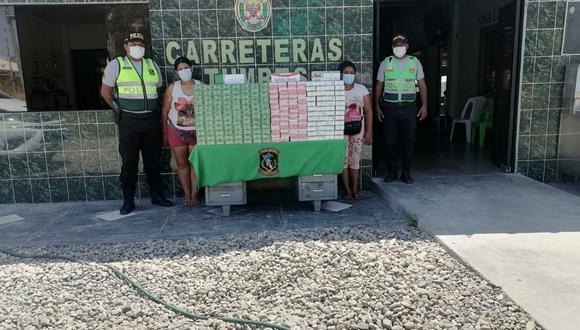 Tumbes: 59 mil cigarrillos de contrabando fueron hallados camuflados bajo los asientos de un bus (Foto: PNP)