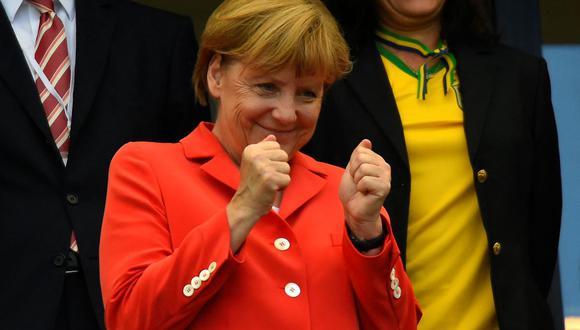 """""""Quizá la mejor manera de describir el mandato de Merkel sea recordando todas las crisis que tuvo que enfrentar y de las que, a pesar de tantísimas críticas, logró salir airosa"""". (Foto: Fabrice COFFRINI / AFP)."""