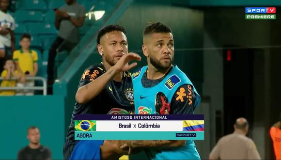 Neymar, Dani Alves y un bicho estuvo durante el calentamiento de Brasil. (Captura y video: SporTV - YouTube )