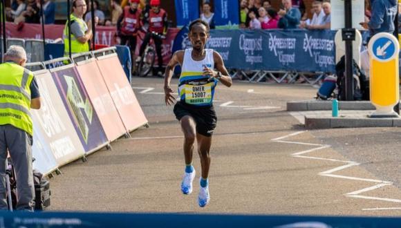 Omar Ahmed corrió 21 km en lugar de 10 km. (Foto: Great Run Company)
