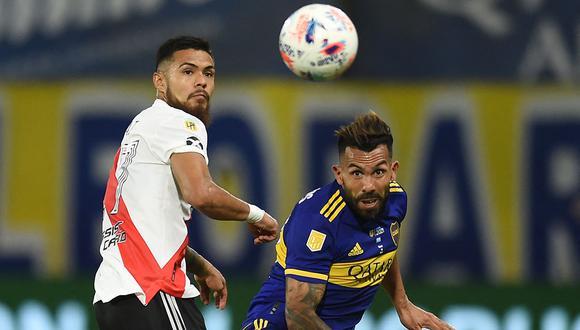 Boca vs River juegan este fin de semana en la Bombonera. Conoce cómo y dónde ver el partido de fútbol en vivo por TV y online. (Foto: AFP)