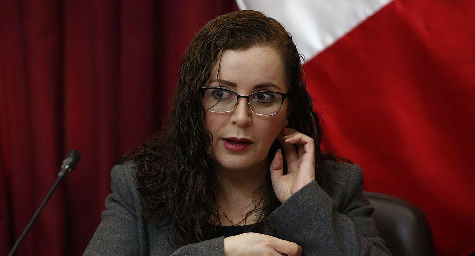 La presidenta de la Comisión de Constitución, Rosa Bartra (Fuerza Popular), cuestionó que el pleno del Congreso haya rechazado su propuesta de ley para la JNJ. (Foto: GEC)