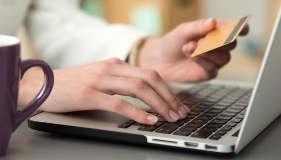 La pandemia ha acelerado el uso de  herramientas móviles de parte de clientes bancarios. (Foto: Andina).