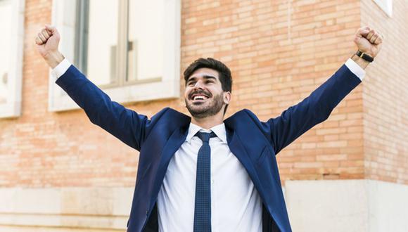 Buscando el balance laboral con el personal serás una persona feliz que atraerá el éxito (Fotto: Freepik)