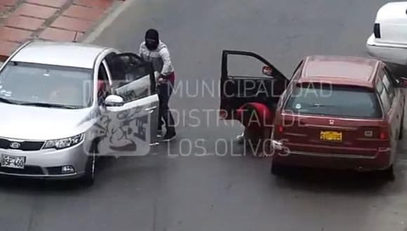 Los Olivos: 'marcas' robaron S/.6 mil a hombre que balearon