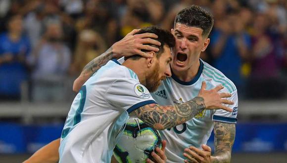 De Paul asegura que Messi es feliz jugando en la Albiceleste. / AFP / Luis ACOSTA