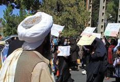 Talibanes dispersan una protesta de mujeres con gases y tiros al aire en Kabul