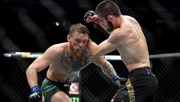 Khabib Nurmagomedov y Conor McGregor protagonizaron una pelea dentro y fuera del octágono el fin de semana pasado. (Reuters)