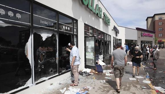 Los disturbios han sido desatados tras el asesinato en Minneapolis de George Floyd. (Foto: EFE)