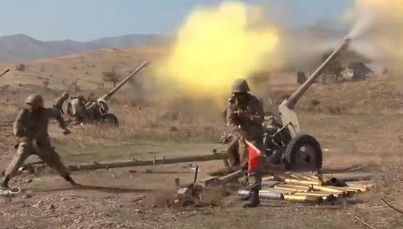 Se estima que varios miles de personas han muerto desde que se reavivó la guerra de Karabaj a finales de septiembre. (EPA).