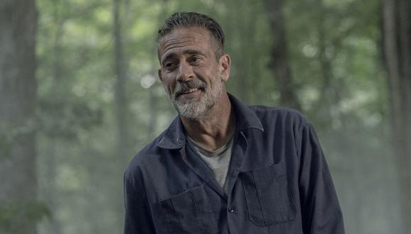"""En """"The Walking Dead"""" Negan (Jeeffrey Dean Morgan) huye de Alexandria, pero alguien le sigue los pasos. Foto: Fox."""
