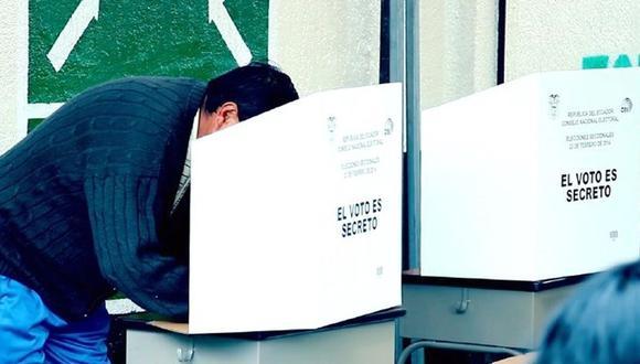 Los miembros de mesas deberán armar las urnas, revisar el material e instalarse para recibir a los votantes el día de las elecciones generales de Ecuador (Foto: CNE)