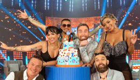 """Conductores de """"Noche de patas"""" tras ganar Premios Luces: """"Estamos emocionados y agradecidos"""". (Foto: Latina)"""