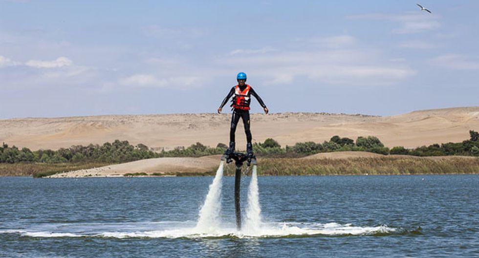 Flyboard y airhead slide en laguna La Encantada. A solo 10 minutos del centro de Huacho (altura del kilómetro 146 de la Panamericana Norte), en esta laguna tendrás la oportunidad de practicar deportes acuáticos.