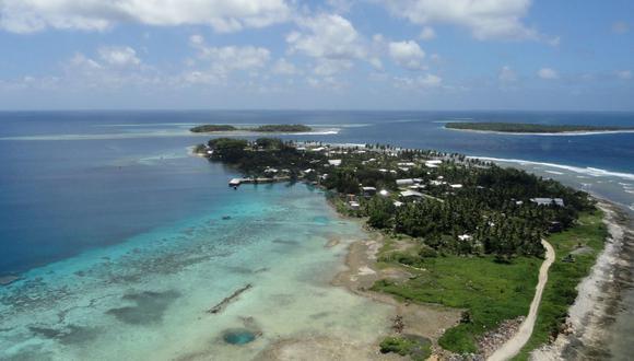 Islas Marshall, con menos de 59.000 habitantes repartidos entre 29 atolones y cinco islas, cerró sus fronteras internacionales en marzo para evitar la pandemia de coronavirus, pero a finales de julio fue relajando las medidas para permitir la entrada de algunas personas, la mayoría trabajadores de una base estadounidense. (Foto de Giff Johnson / AFP).