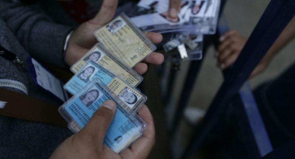 Empadronadores de SJL protestan por falta de pago (Foto: Alonso Chero)
