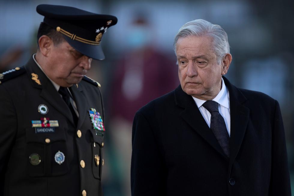 El presidente Andrés Manuel López Obrador participa hoy, en una ceremonia en memoria de las víctimas de los sismos del 19 de septiembre en 1985 y 2017, en la Ciudad de México. (Foto:  EFE/Carlos Ramírez)