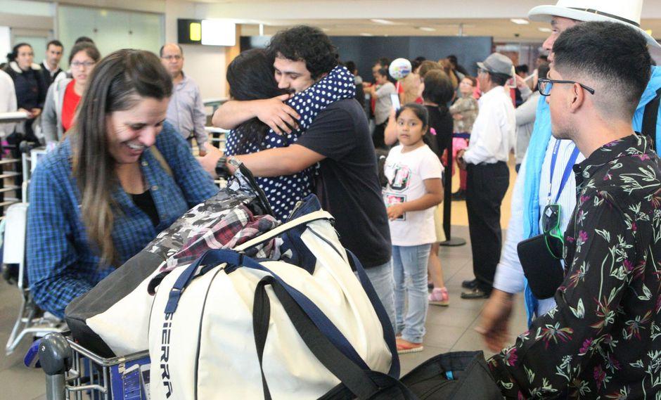 Miles de personas siguen llegando al aeropuerto Jorge Chávez para pasar la Navidad con sus familias. (Foto: Andina)
