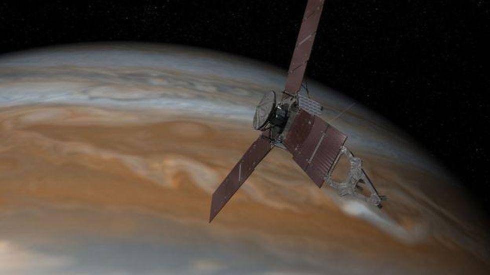 La sonda Juno partió hacia Júpiter el 5 de agosto de 2011 y llegó a la órbita del planeta el 5 de julio de 2016