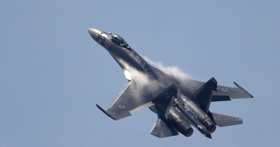 Un Sukhoi-35 ruso similar al interceptado en Alaska. (AFP).