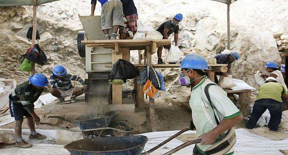 Puno: 400 mineros informales iniciaron proceso de formalización