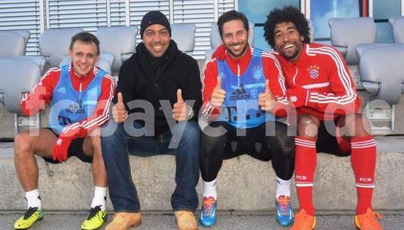 Claudio Pizarro recibió en Bayern la visita de histórico Elber