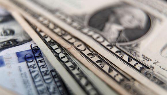 El dólar abrió a la baja el lunes. (Foto: EFE)