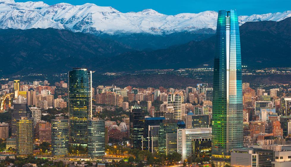 Santiago, la capital de Chile, se ubica en un valle rodeado de la coordillera de los Andes. (Foto: Shuterstock)