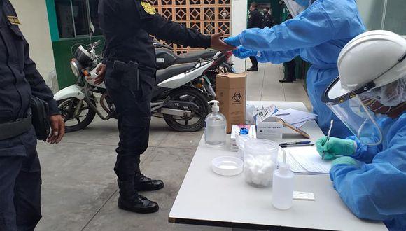 Veinte policías de Chimbote pasaron pruebas de descarte de coronavirus en el día 67 del estado de emergencia. (Foto: Red de Salud Norte)