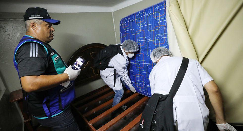 En los locales se encontraron colchones y sábanas sucias, lo que genera peligro para los clientes. (Foto: Difusión)