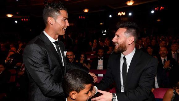 Lionel Messi casi duplica la cifra de Cristiano Ronaldo, de acuerdo con cifras del medio francés. (Foto: AFP)